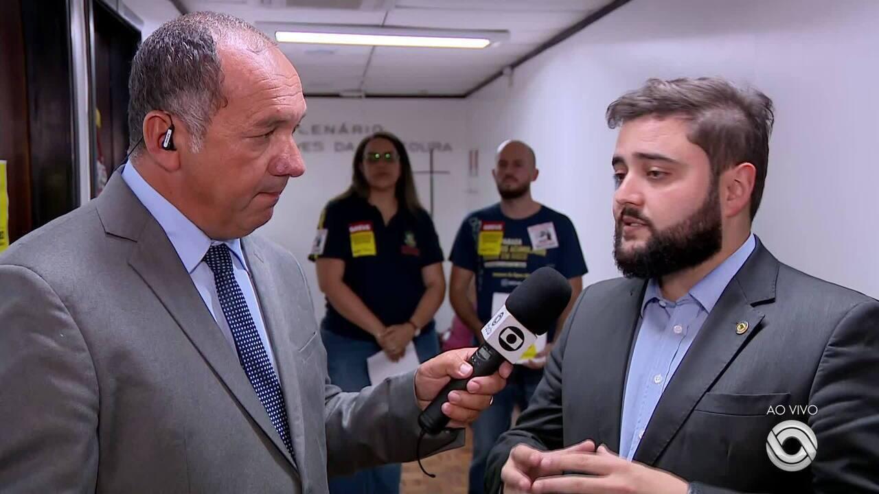 Leite aceita adiar votação de propostas polêmicas do pacote que altera plano de carreira