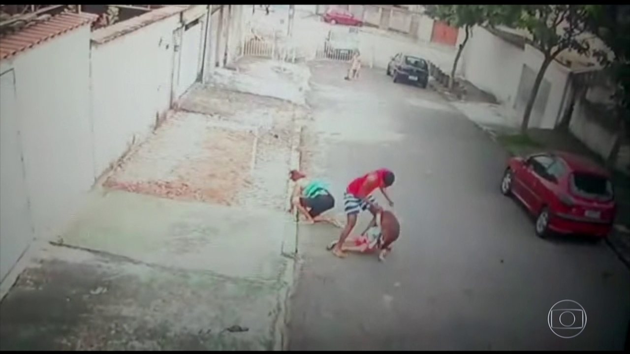 Jovem salva menino de 5 anos de ataque de pitbull