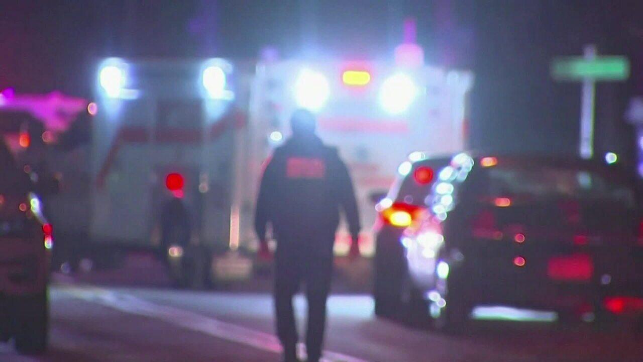 Homem invade casa de rabino com facão e deixa cinco feridos nos EUA