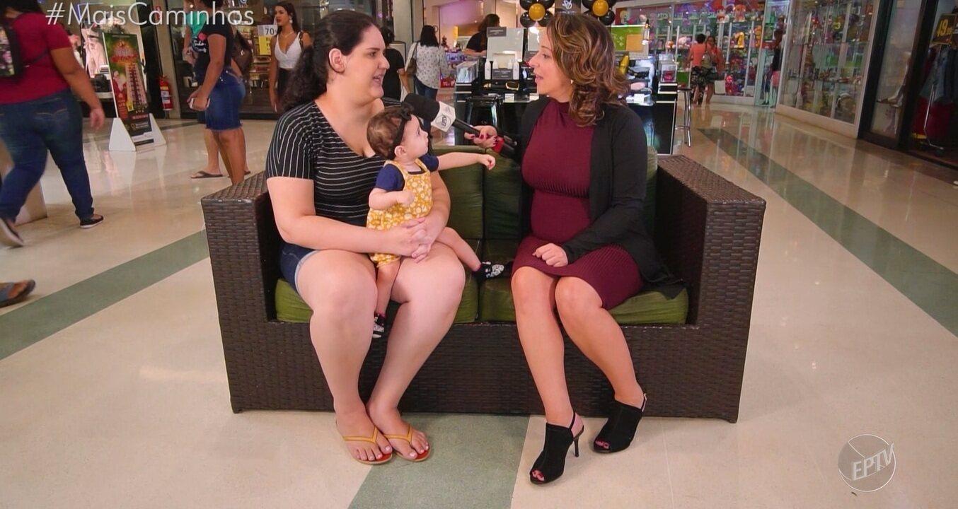 Roberta Campos recebe dicas sobre o que fazer quando o bebê sente cólicas
