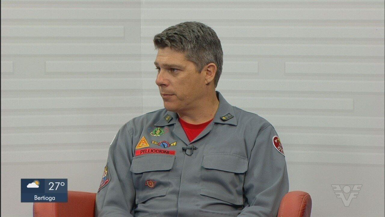 Major do Corpo de Bombeiros explica cuidados com caravelas-portuguesas
