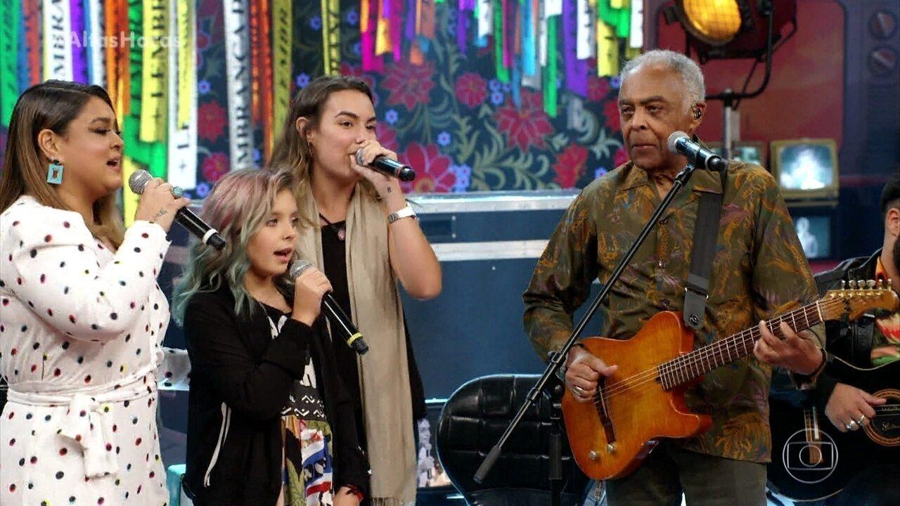 Família Gil canta 'Palco'