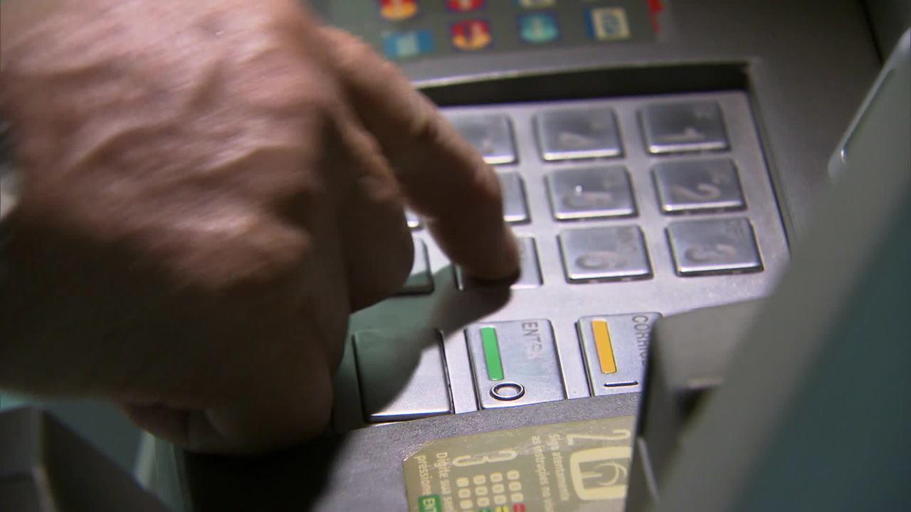 Bancos podem cobrar tarifas para limite no cheque especial