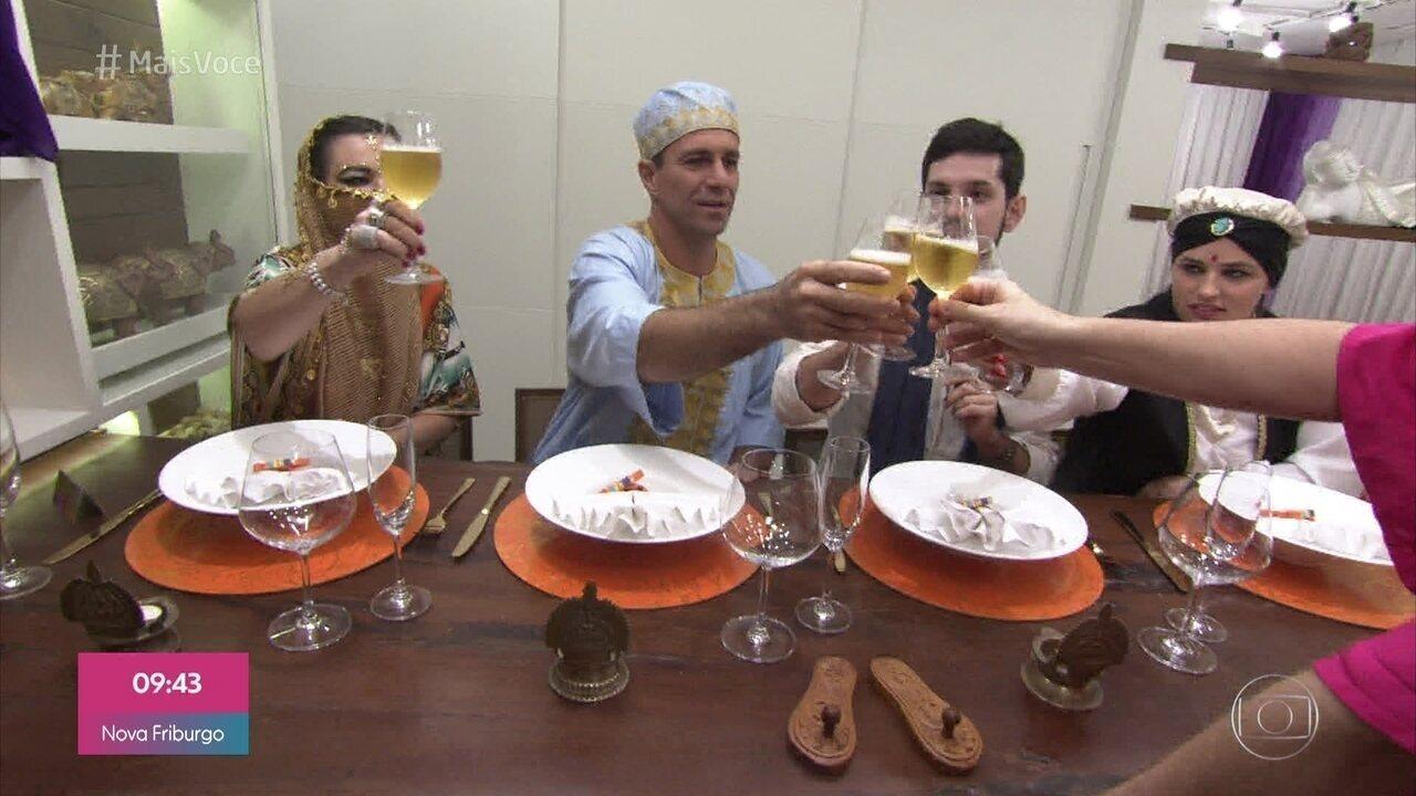 Rômulo recebe seus convidados para um 'Mergulho no Oriente'