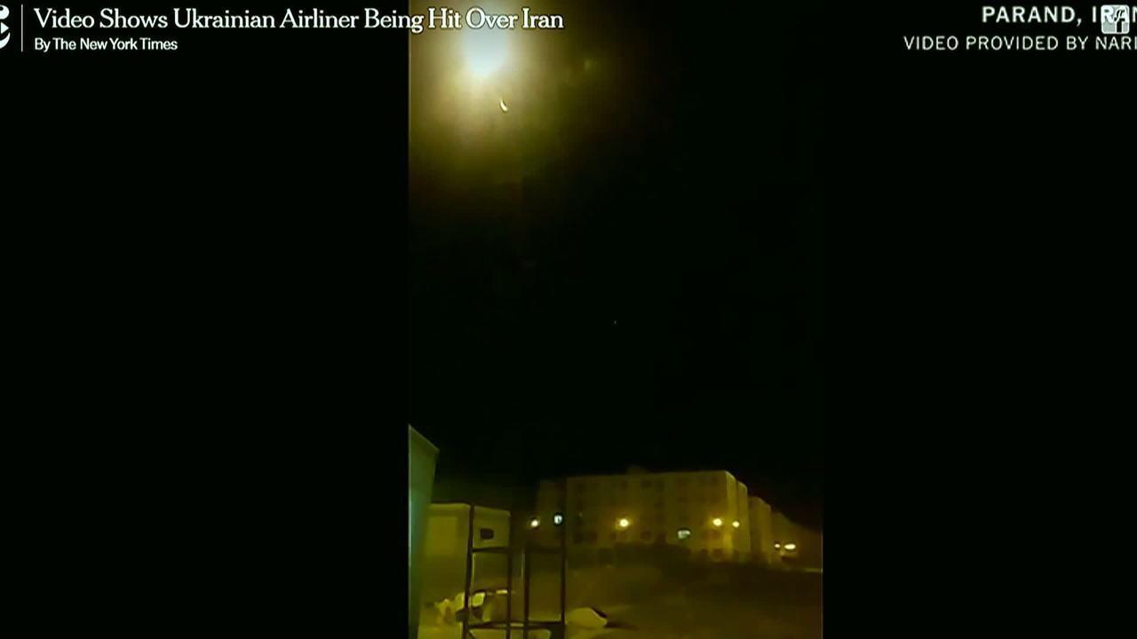Vídeo divulgado pelo New York Times aparenta mostrar míssil atingindo avião da Ucrânia