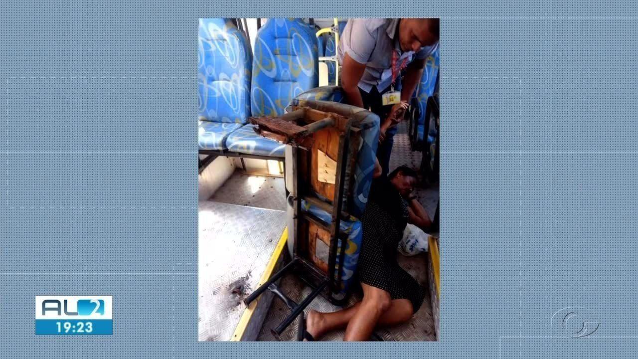 Assento de ônibus se solta e atinge senhora em Maceió