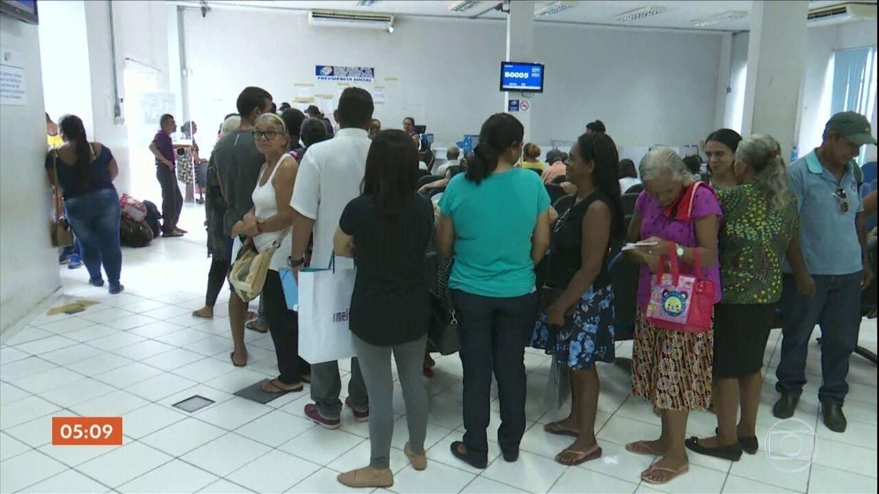 Governo busca solução para acabar com atrasos na concessão de benefícios pelo INSS