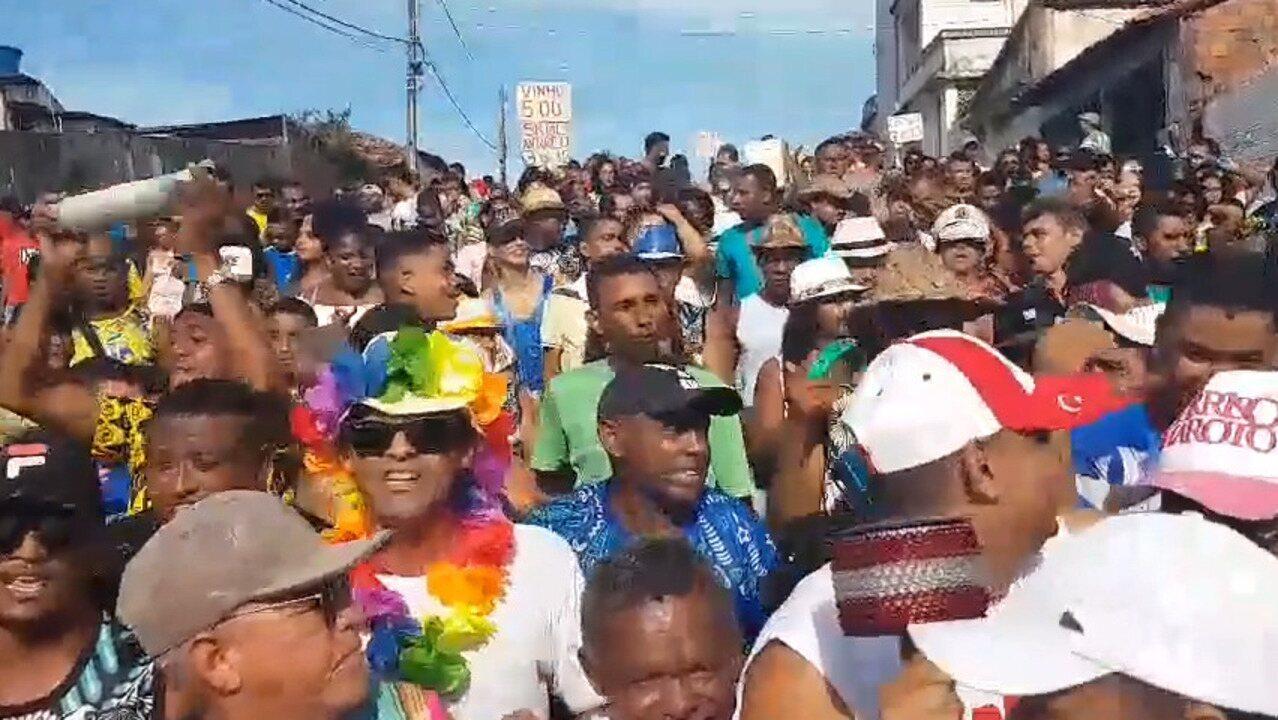 Bloco C de Asa anima foliões em prévia de carnaval em São Luís