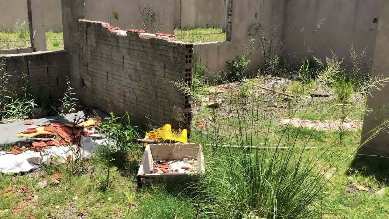 Moradores reclamam de obra de escola infantil abandonada há um ano em Montenegro