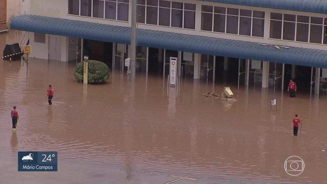 Chuva alaga Aeroporto da Pampulha em Belo Horizonte