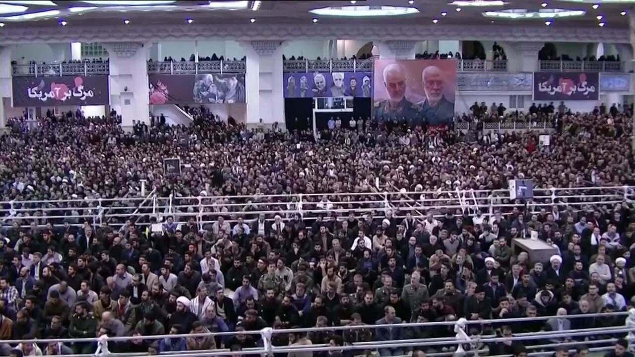 Com Irã dividido, Khamenei dá primeiro sermão à população após oito anos