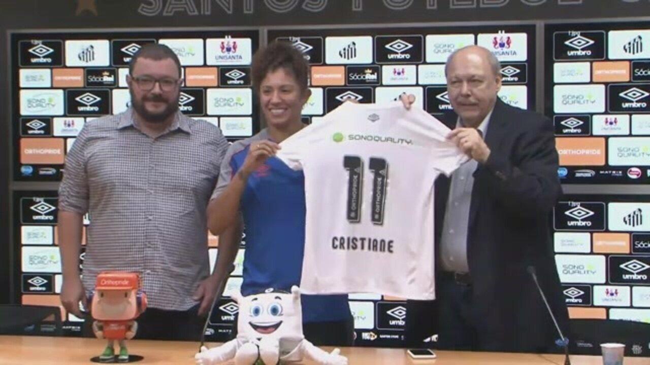 Cristiane é apresentada como nova contratação do Santos