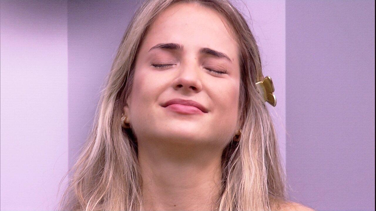 Flayslane canta para Camarote pelo muro e Gabi chora