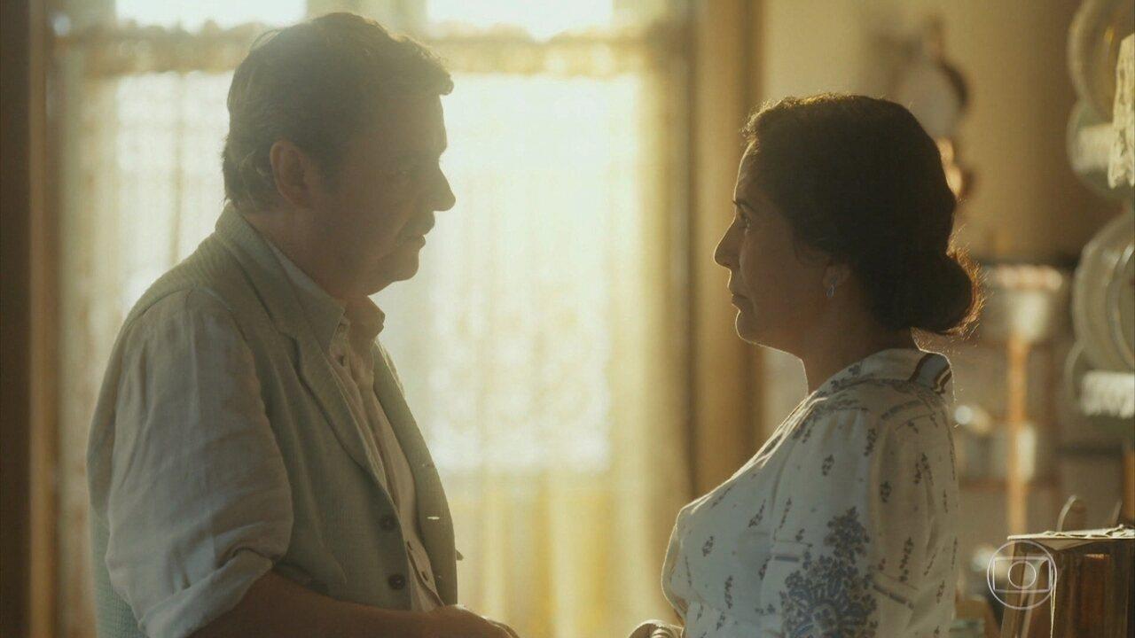 Afonso se dá conta de que ama Lola