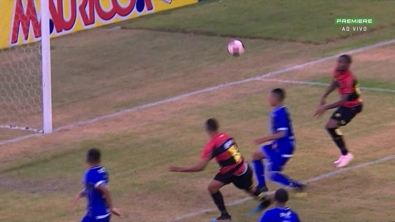No 1º minuto do 2º tempo contra o Vitória-PE, Elton desperdiça chance pelo Sport