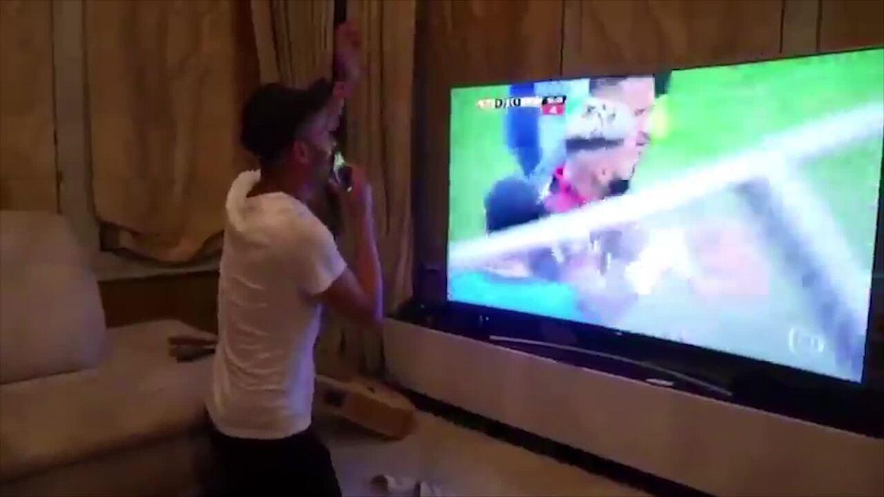 Thiago Maia comemora título do Flamengo na Libertadores