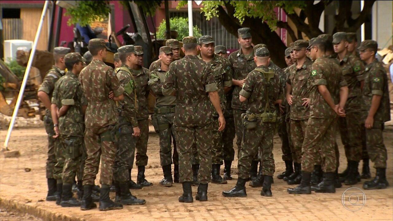 Militares do Exército chegam a Iconha (ES) para ajudar na recuperação de danos de temporal