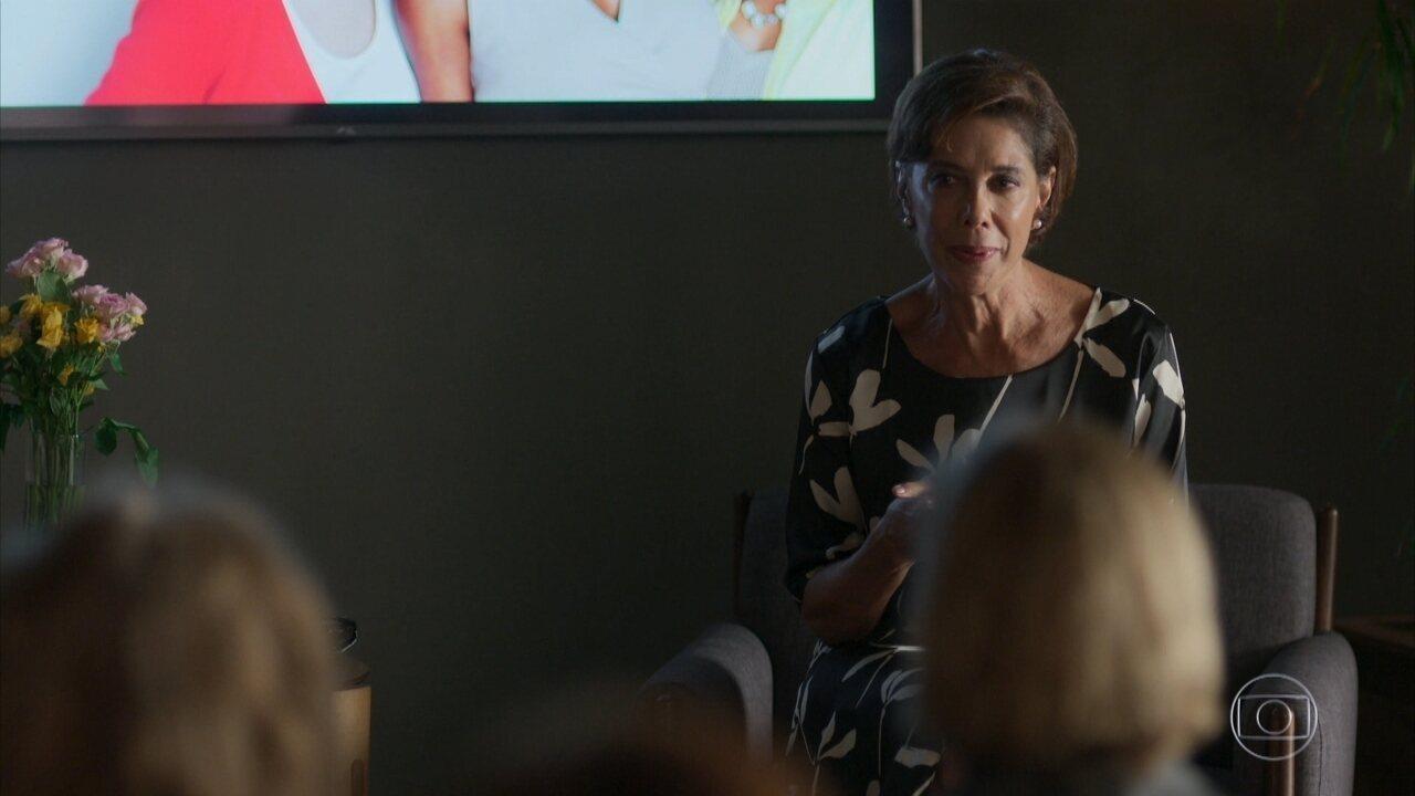 Vera começa a dar palestras motivacionais para o público feminino