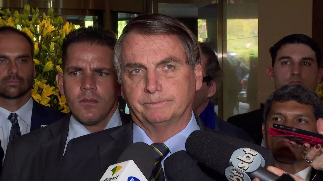 Bolsonaro diz que Estados Unidos têm direito de deportar brasileiros