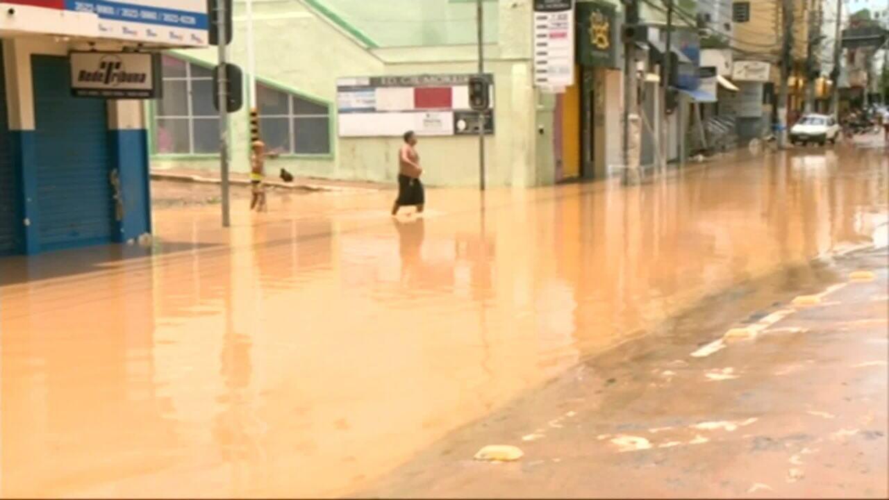 Chuvas deixam 9 mortos e mais de 8 mil desabrigados no Espírito Santo