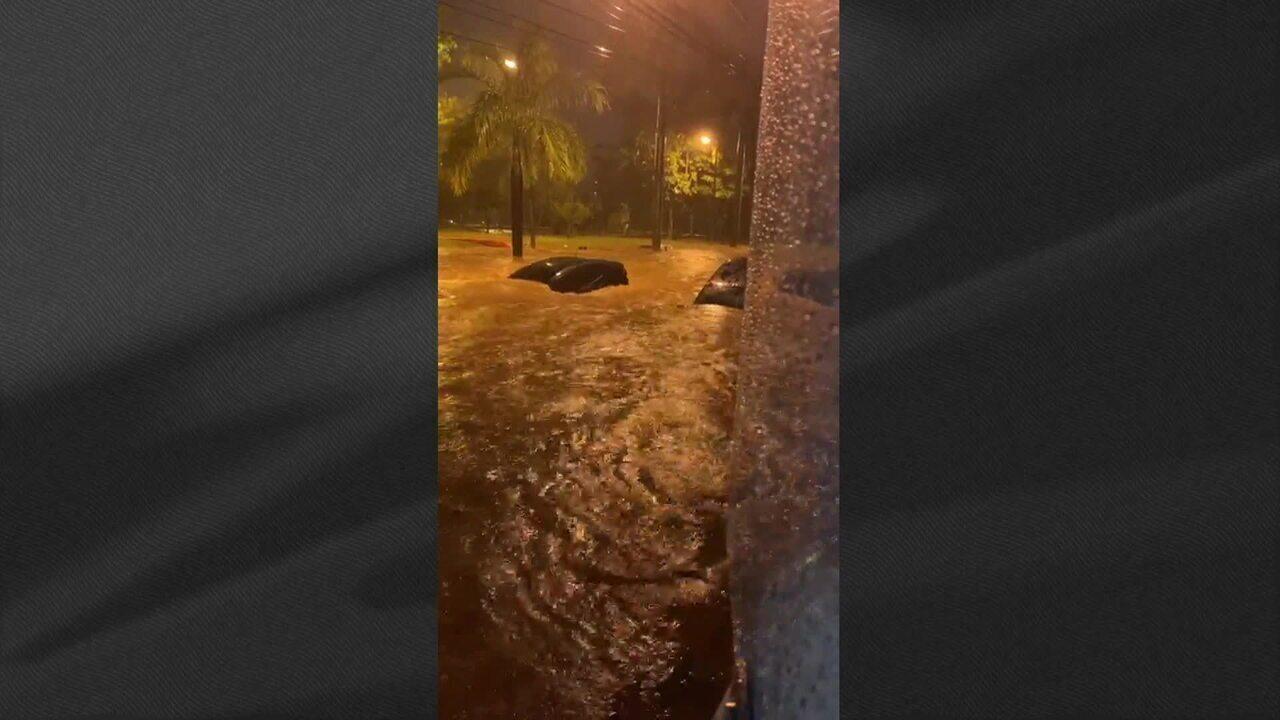 Região Metropolitana de BH volta a ser atingida por forte chuva