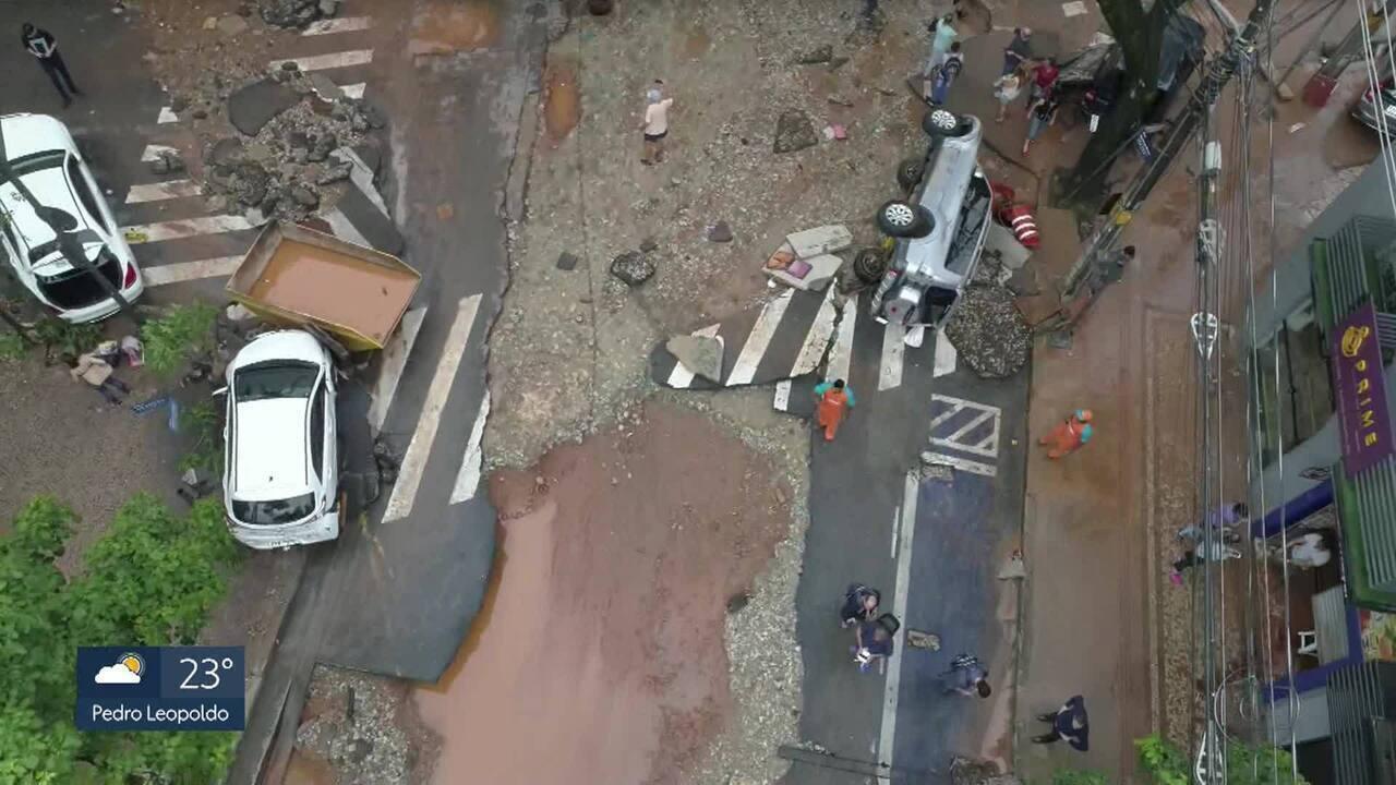 Imagens de drone mostram destruição na Praça Marília de Dirceu, na Região Centro-Sul de BH