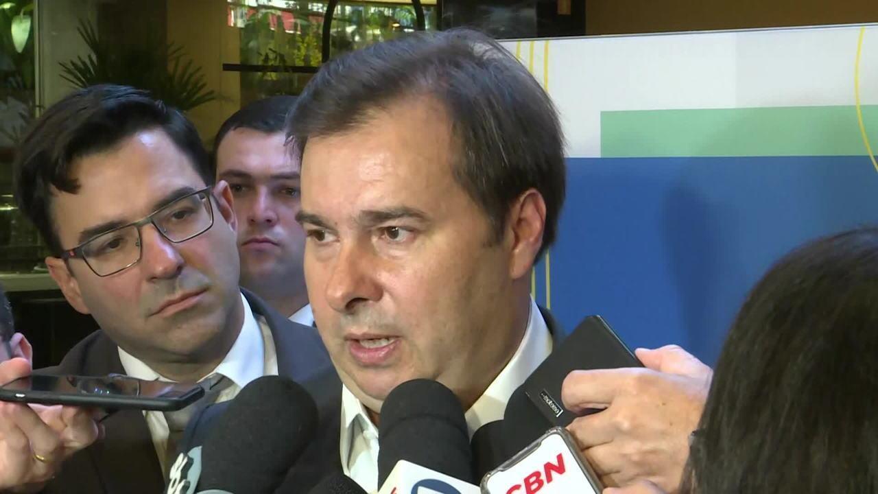 Rodrigo Maia diz que ministro da Educação é um 'desastre'