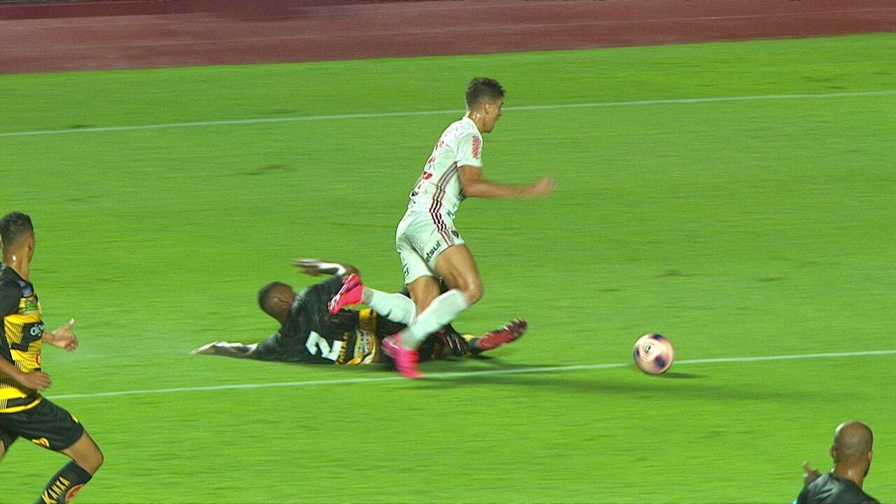 Veja os erros de arbitragem na partida entre São Paulo e Novorizontino pelo Campeonato Paulista
