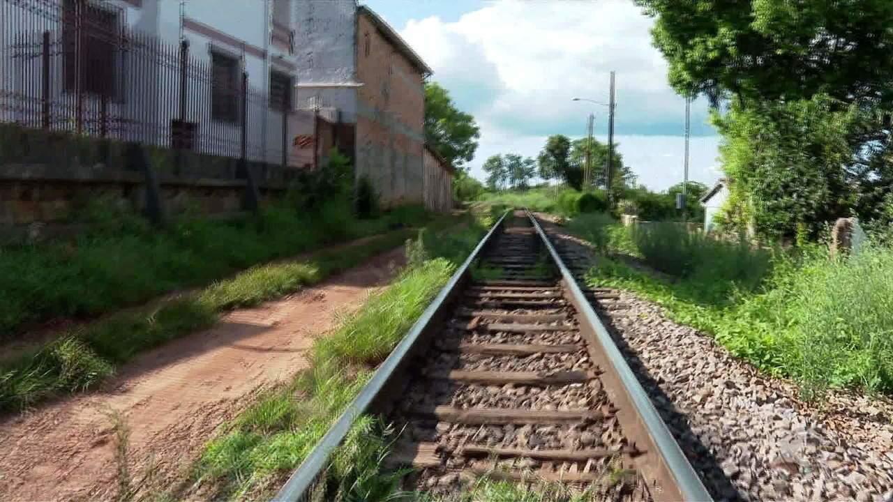Empresa ferroviária entra na justiça para usar área de moradores, em Cruz Alta
