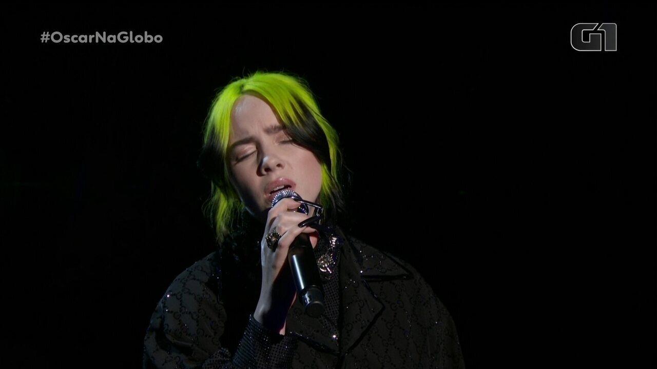Billie Eilish se apresenta na cerimônia de entrega do Oscar