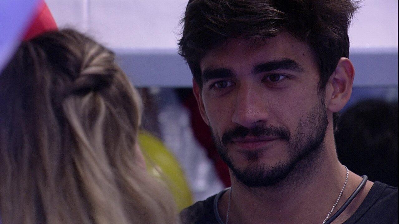 Guilherme afirma para Gabi: 'Não quero te ver mais triste'