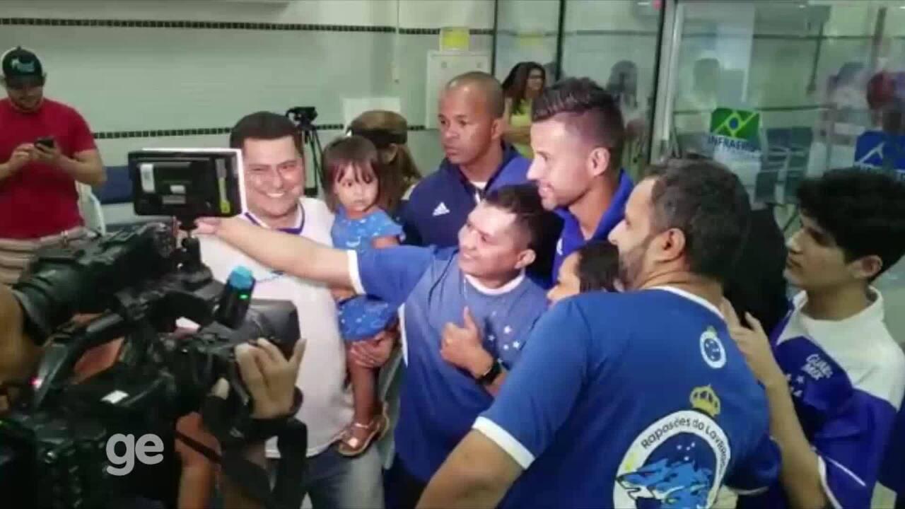 Com apoio de torcedores, Cruzeiro chega em Roraima para estrear na Copa do Brasil