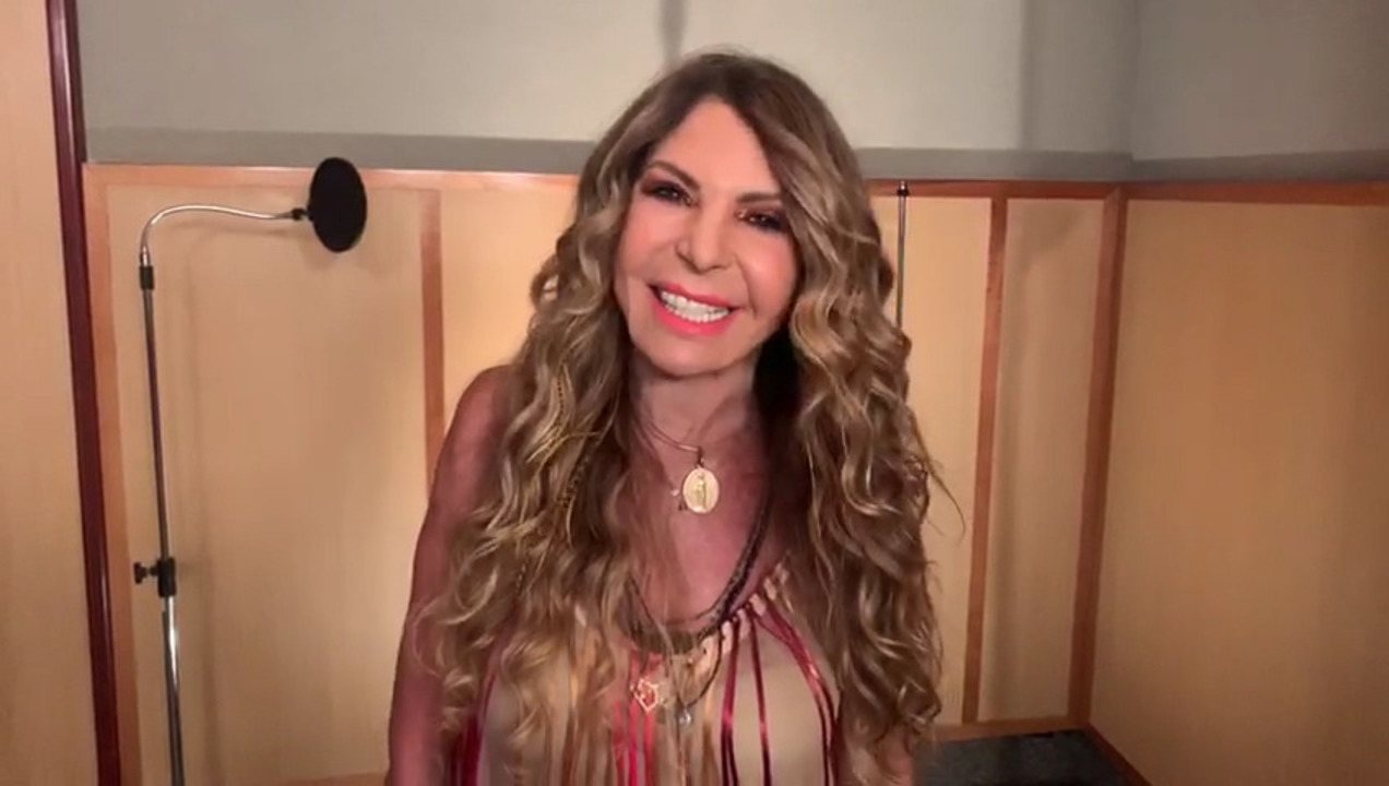 Elba Ramalho convida foliões para o bloco 'Virgens de Tambaú'