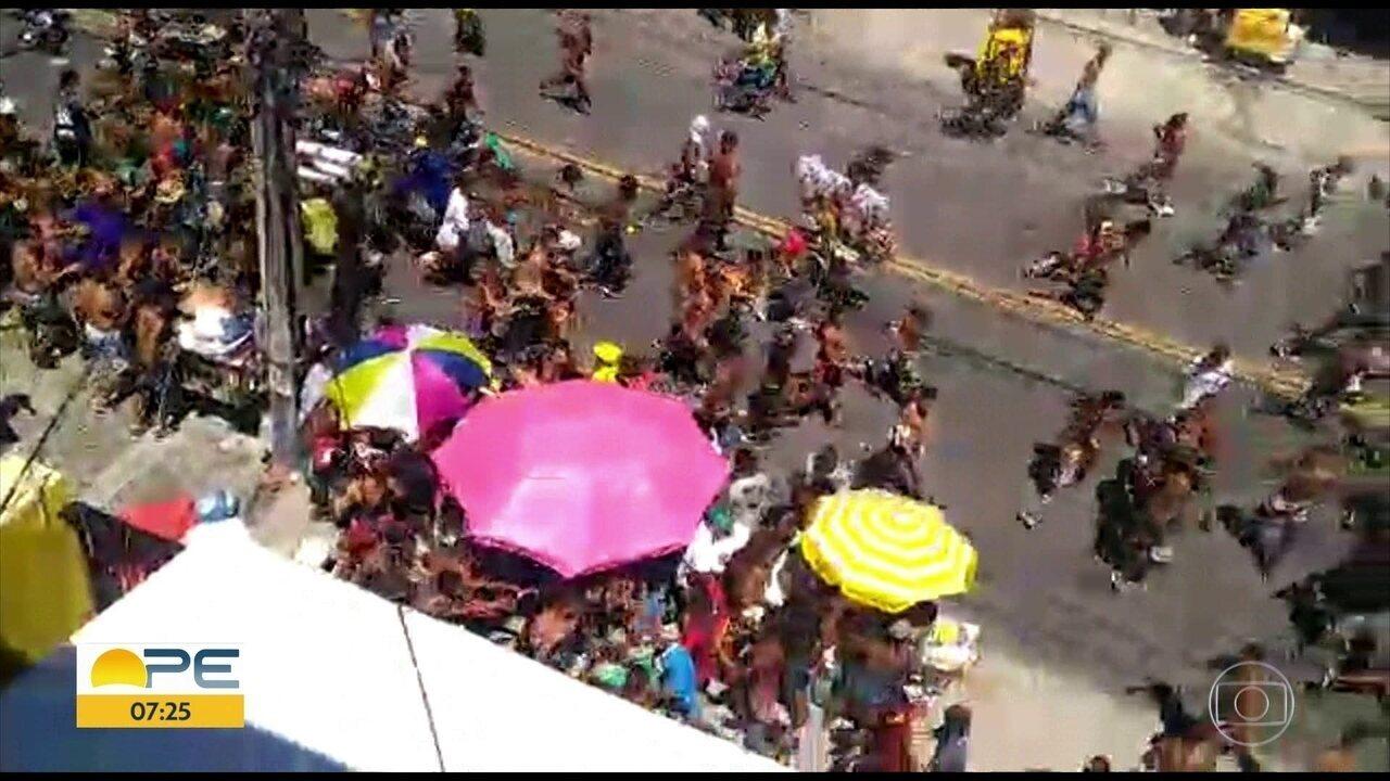 Desfile das Virgens tem registro de brigas e correria em Olinda