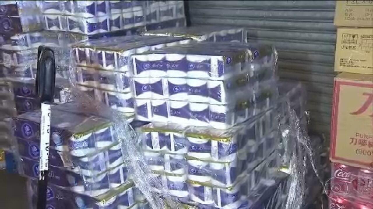 Coronavírus: ladrões armados roubam carregamento de papel higiênico em Hong Kong