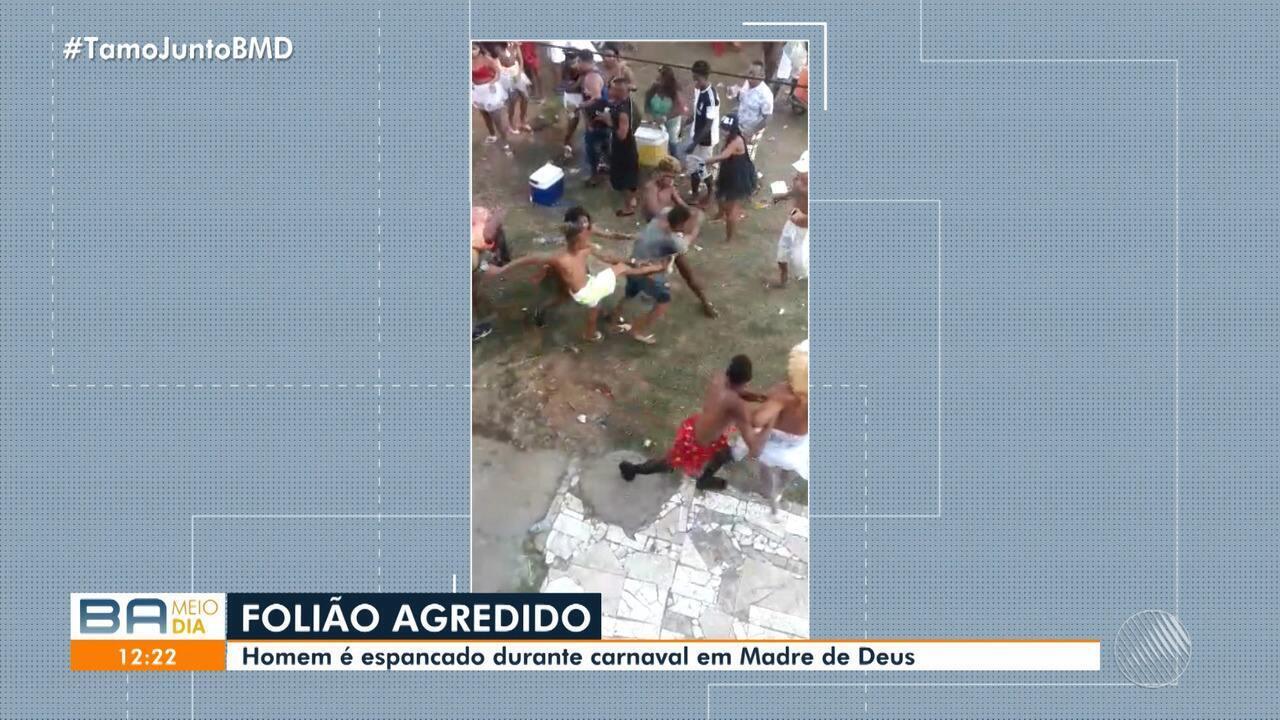 Vídeo: Homem é espancado durante carnaval na cidade de Madre de Deus