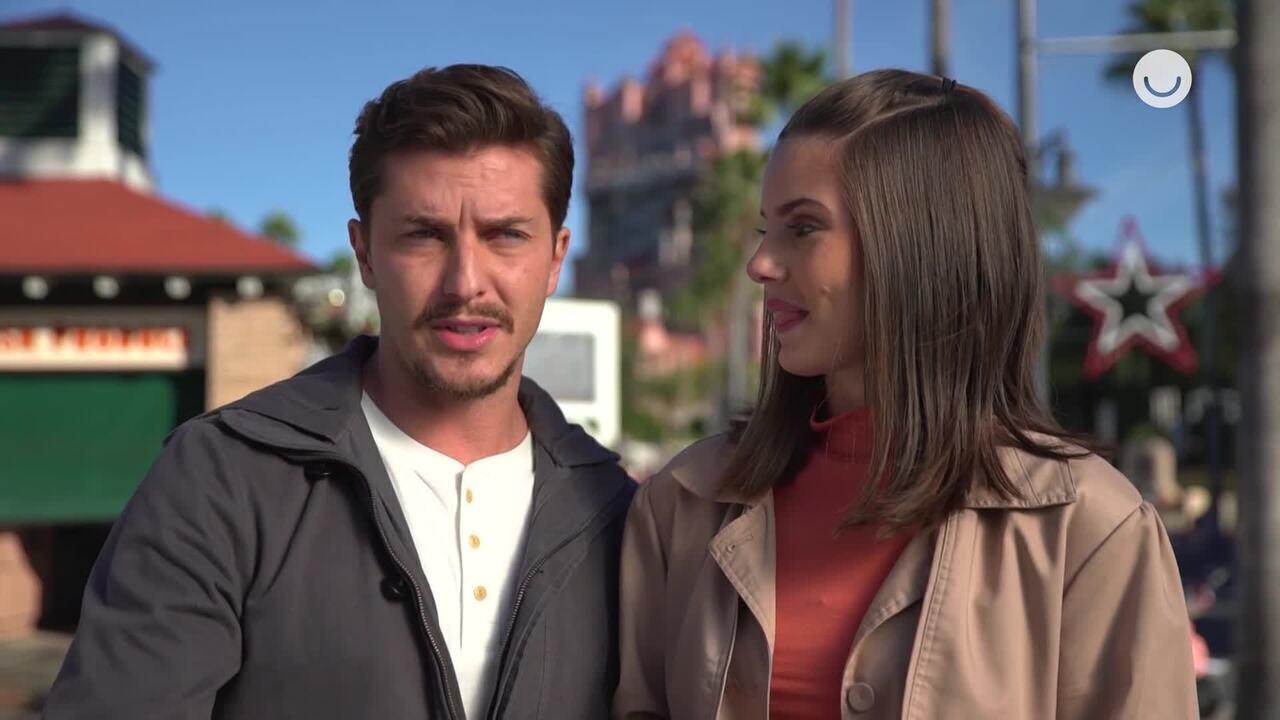 Camila Queiroz e Klebber Toledo respondem a um quiz sobre a Disney
