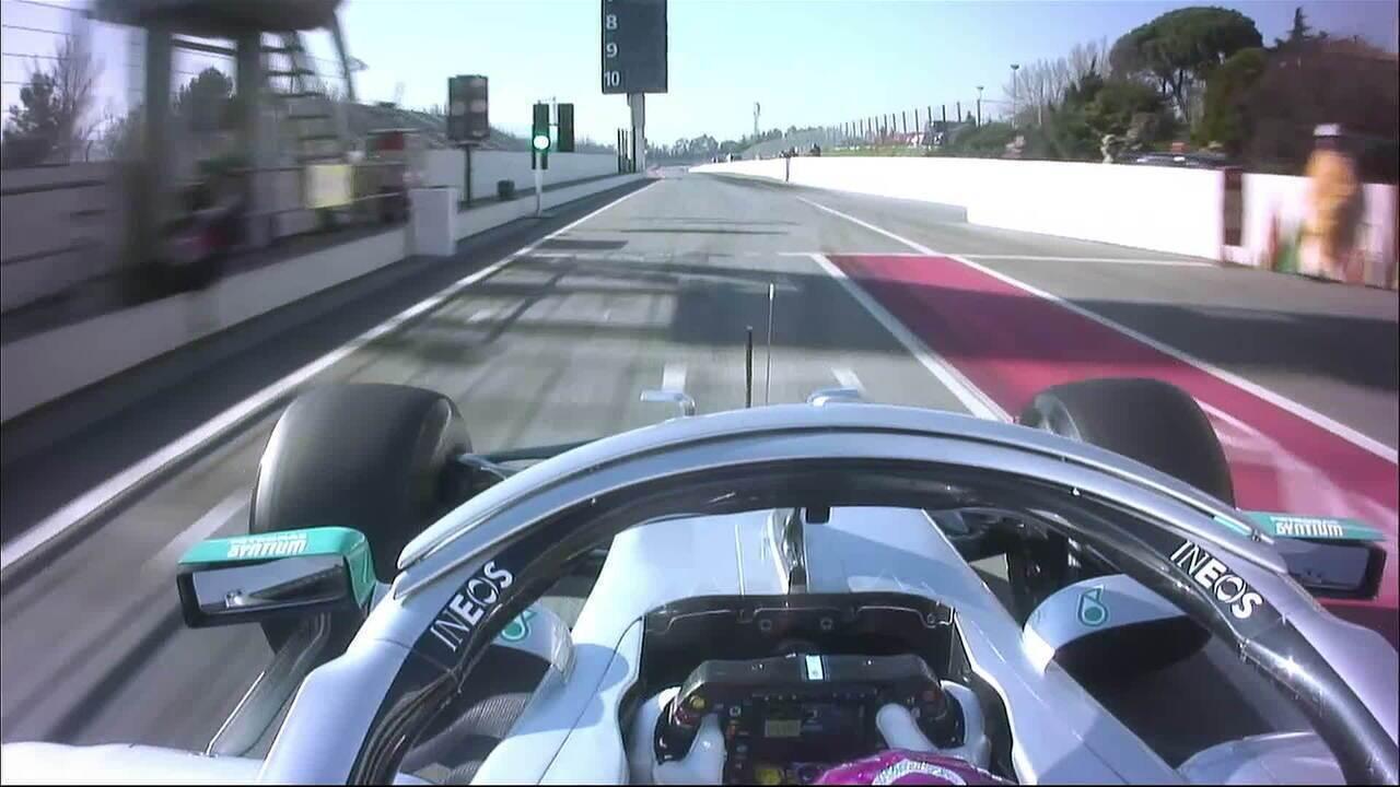 Volante da Mercedes se mexe para frente e para trás, causando polêmica