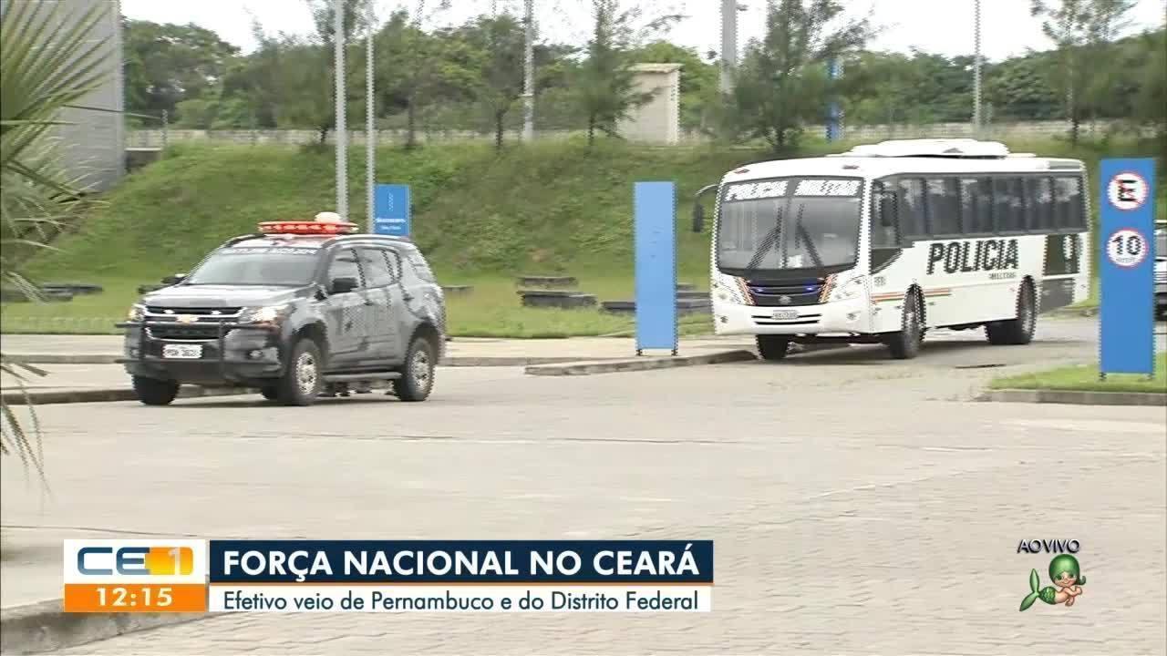 Movimento de policiais miliares segue com viaturas com pneus esvaziados