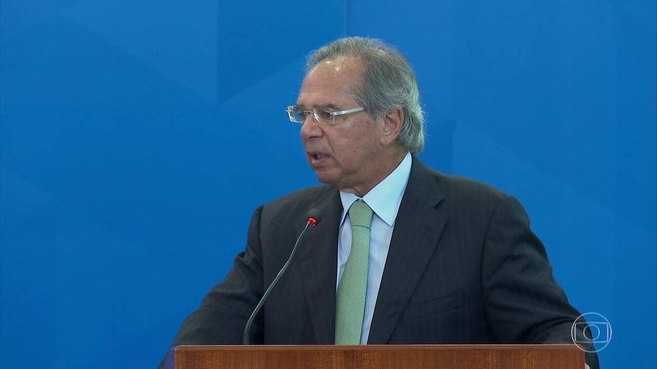Paulo Guedes pede desculpa após declaração sobre domésticas na Disney
