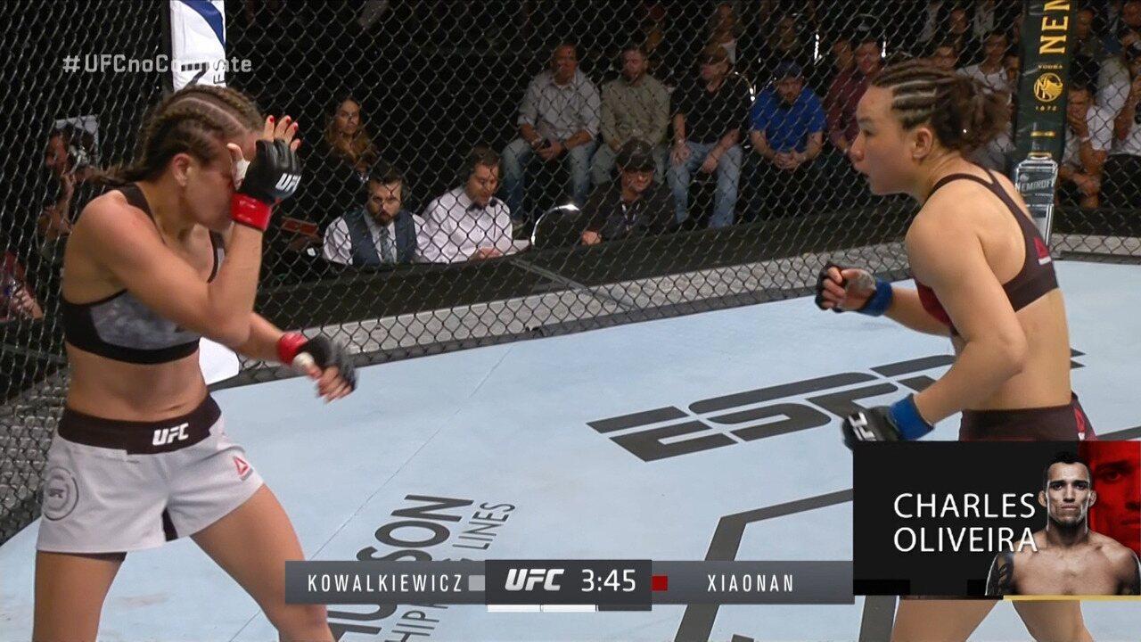 Melhores Momentos de Karolina Kowalkiewicz x Yan Xiaonan no UFC Auckland, em 22/02/2020