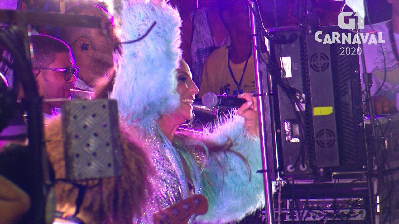 Ivete Sangalo canta a música 'Tempo de Alegria' no circuito Barra-Ondina