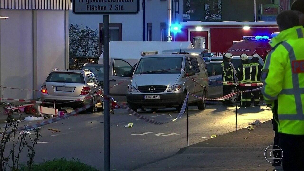 Na Alemanha, homem atropela 30 pessoas em desfile de carnaval