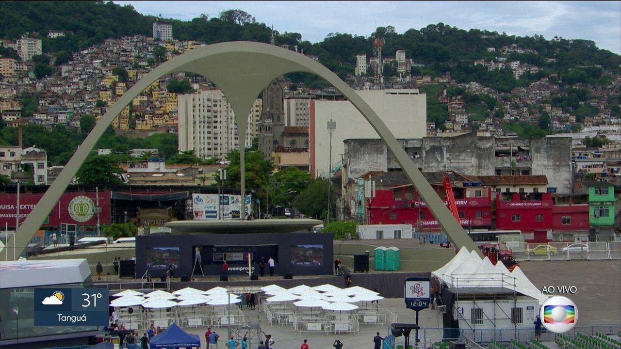 Praça da Apoteose está sendo preparada para apuração do Grupo Especial