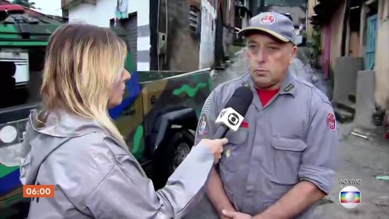 Deslizamentos de terra provocam mortes no litoral de SP