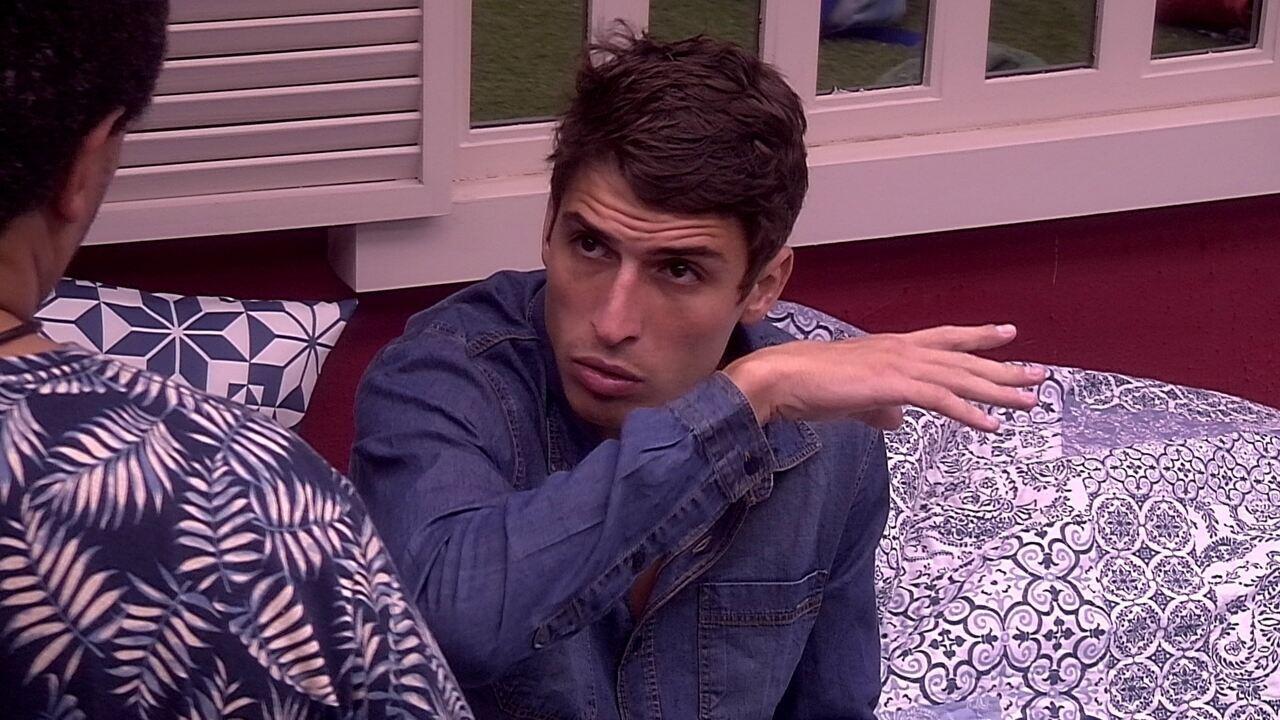 Felipe comenta sobre Guilherme: 'Não joga sozinho'