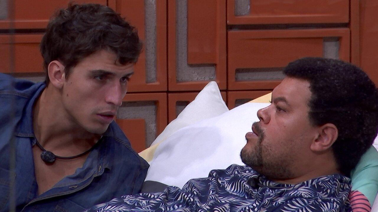 Felipe tenta entender saída de brother: 'A gente vendo de fora, eu não via ele dar motivo'