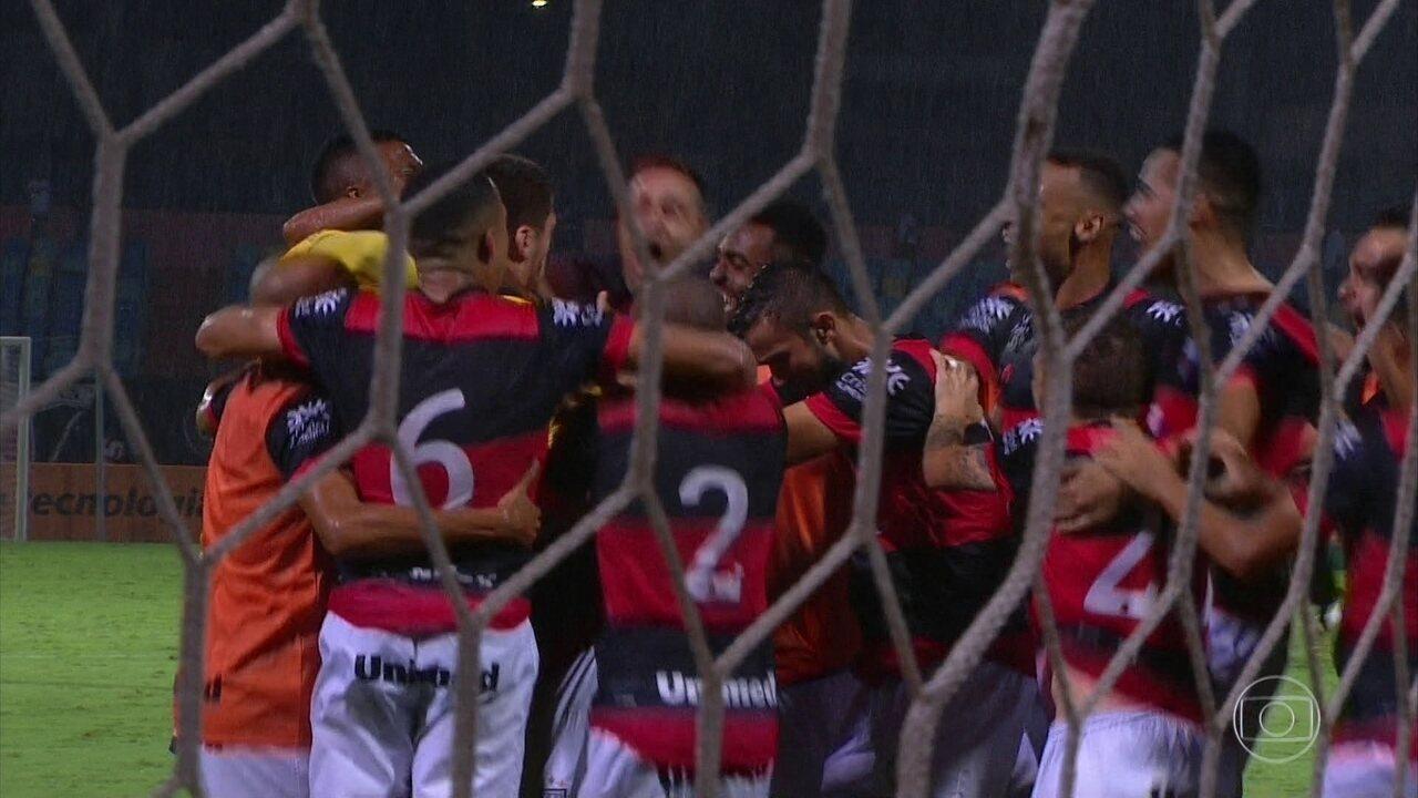 Melhores momentos e penalidades de Atlético-GO (4) 1 x 1 (3) Santa Cruz, na Copa do Brasil
