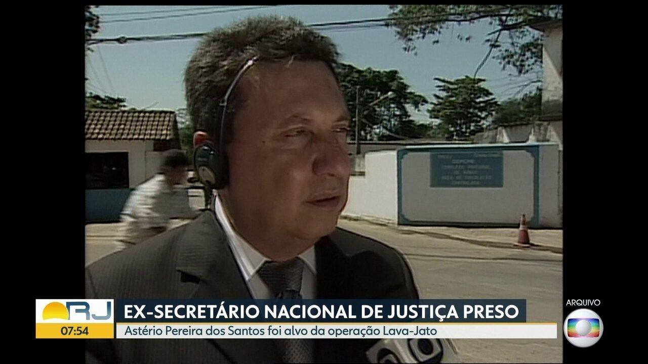 Ex-secretário nacional de Justiça é preso em Operação da Lava-Jato, no RJ