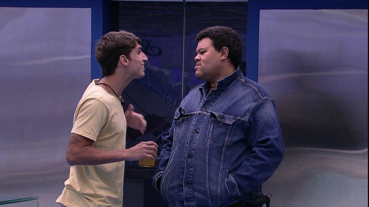Babu diz a Felipe que os dois receberão o Castigo do Monstro e brother responde